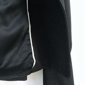 Club Monaco Jackets & Coats - Club Monaco Alista Short Trench - size 4